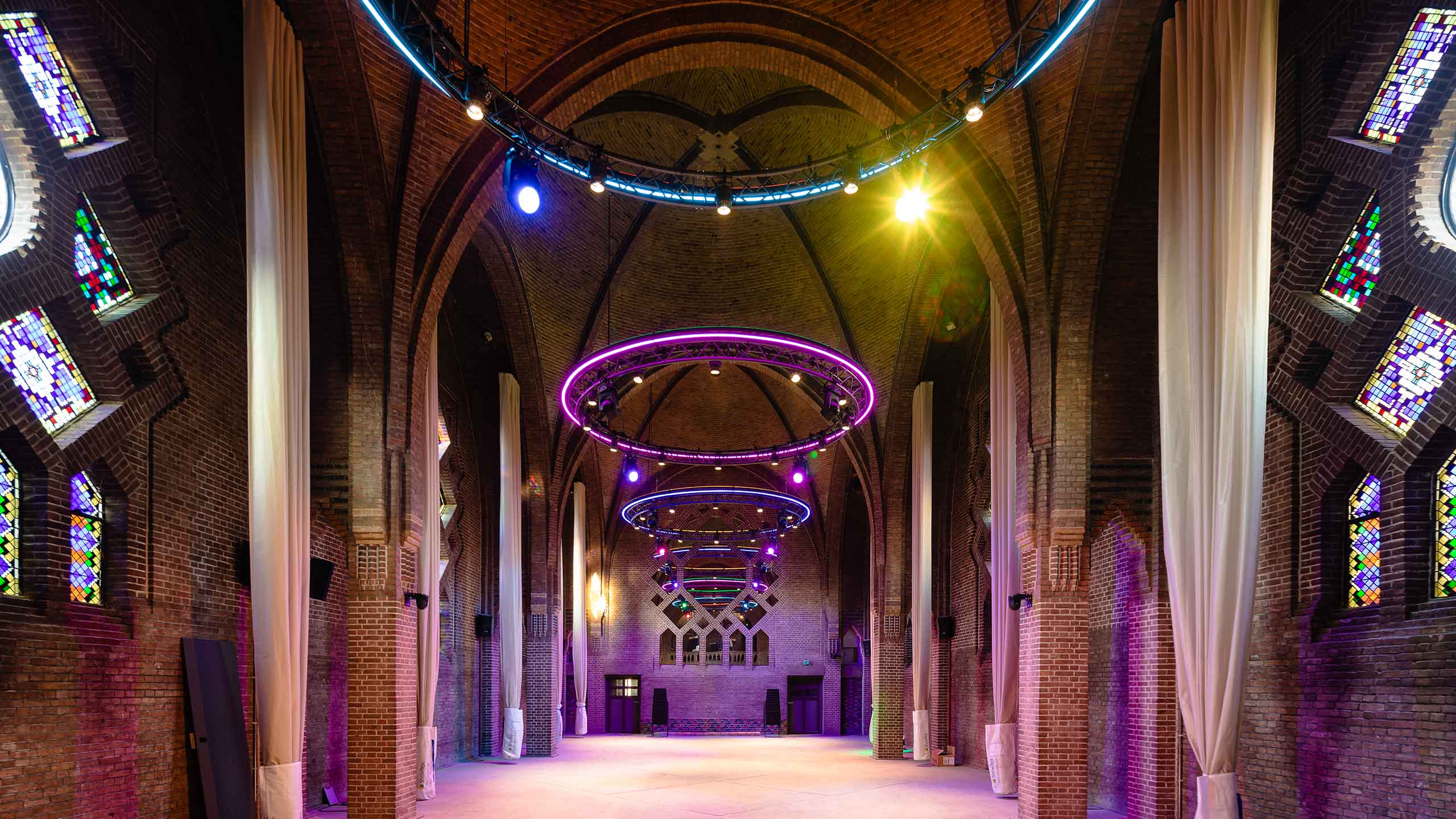 kerk transformatie herbestemming Eindhoven Dela Delamundo domusdela augustijnenkerk klooster dommel
