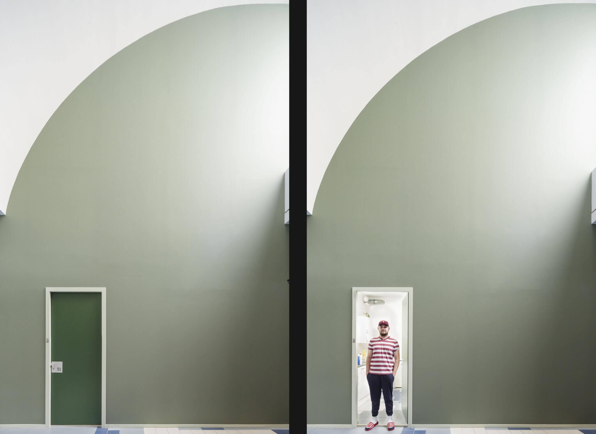 Woonbedrijf transformatie herbestemming Eindhoven Brainport kantoor tegelvloer kleurgebruik kleur kunstenaar Struycken Peter binnenruimte kleurpalet kunst woonwinkel TNS circulair materiaalgebruik flexwonen atrium sheds natural step Rijswijck