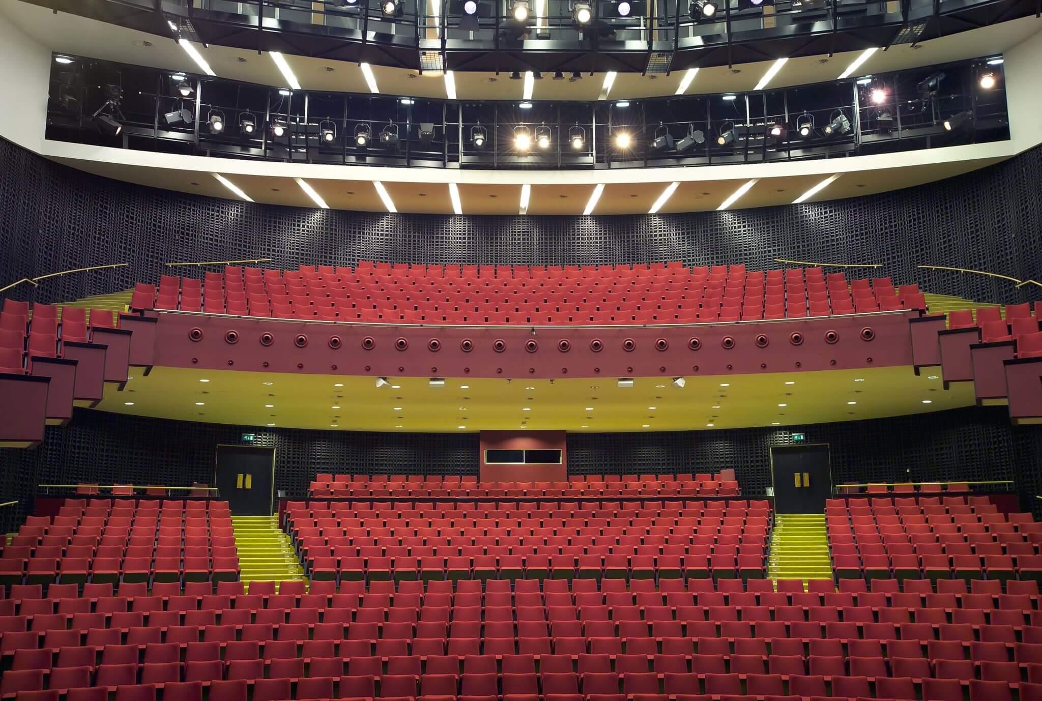 theater schouwburg voorstelling podium concert horeca Stadsschouwburg Brainport Stadswandelpark Eindhoven multifunctioneel uitbreiding renovatie Theatertoren vlakke vloer podiumkunsten uithangbord signing vlinder